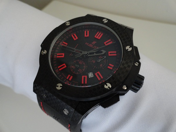 replica de reloj Hublot Big Bang mágico rojo de Carbono