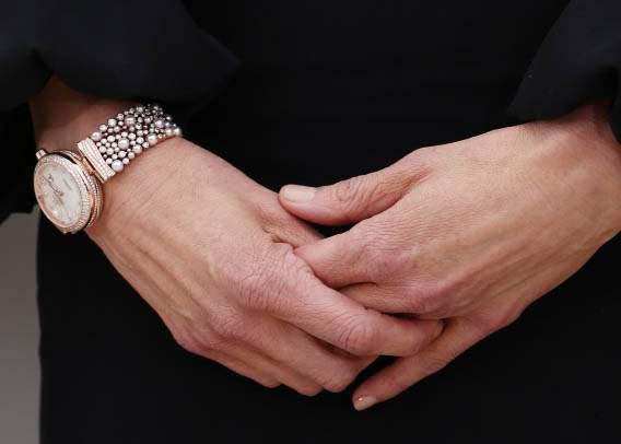 una replica Ladymatic para su muñeca, Omega, Omega Ladymatic, Omega replica, replica de reloj, reloj falso, diamantes Omega Ladymatic Perlas, Nicole Kidman Omega